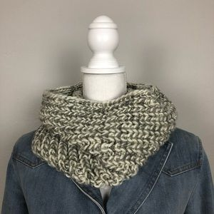 Gertex Women's Infinity Scarf One Size Grey White